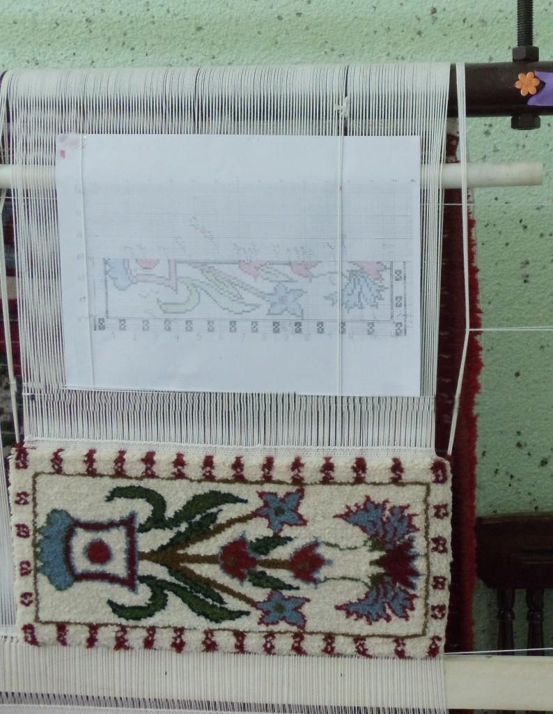 نمونه طرح گلدون بافته شده