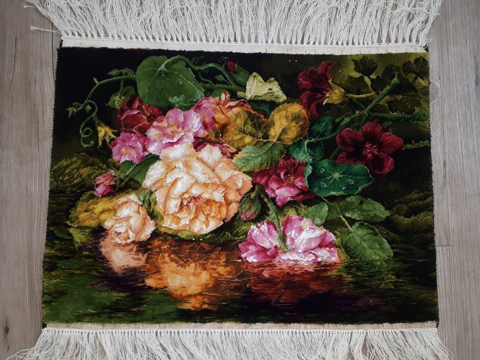 نمونه بافته شده تابلوفرش طرح گلهای رویایی