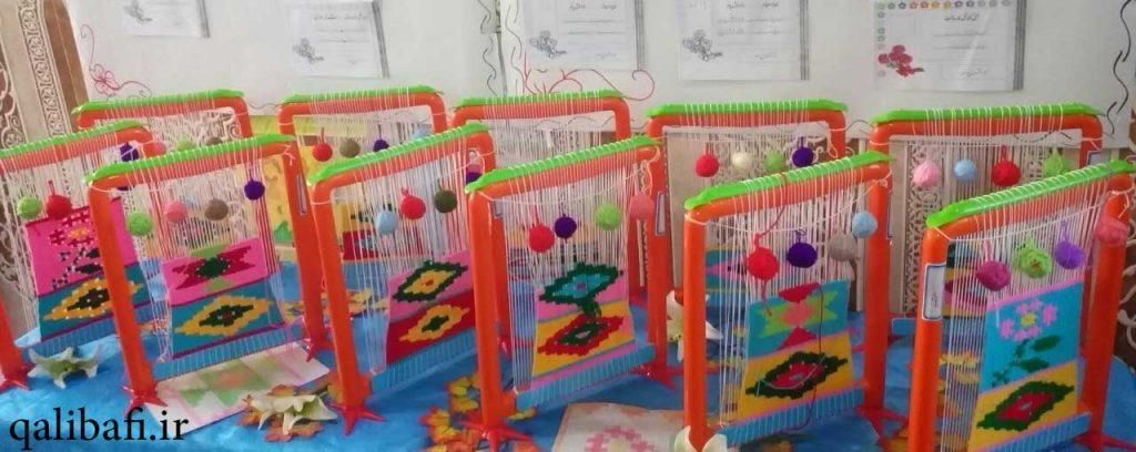 نمایشگاه تولیدات دانش آموزان دختر مقطع ابتدایی با دستگاه دارک
