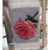 نمونه تابلوفرش بافته شده طرح گل رز سایز 11 در 16 سانتی